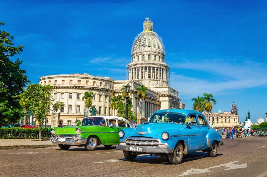 DOLLAR RETURNS TO CUBA